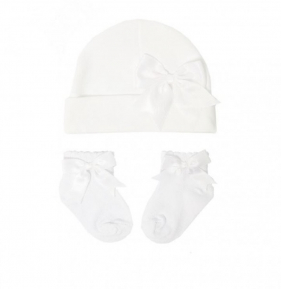 baby girls cotton hat in white matching socks