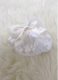 traditional frilly lace baby girls ankle socks ivory cream bow